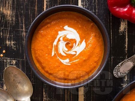 Хумус (дип, разядка, пюре, гарнитура) от червена леща, чесън и сусамов тахан - снимка на рецептата